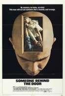 Affiche du film Quelqu'un Derriere la Porte